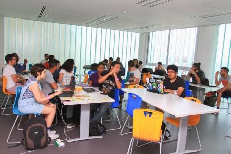 Grupos trabalhando no Hackaton 2015, Museu de Arte do Rio. Foto:  Rafael Barretto.
